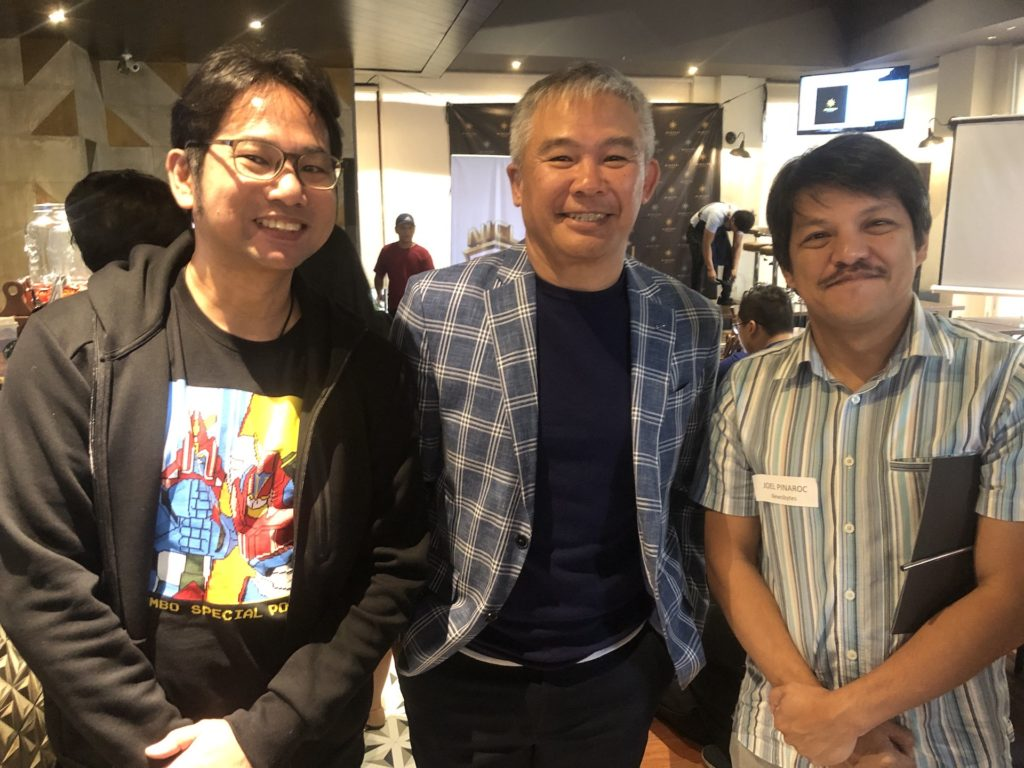 PCCL Esports President Chot Reyes with Newsbytes.ph correspondent Joel Pinaroc and the author