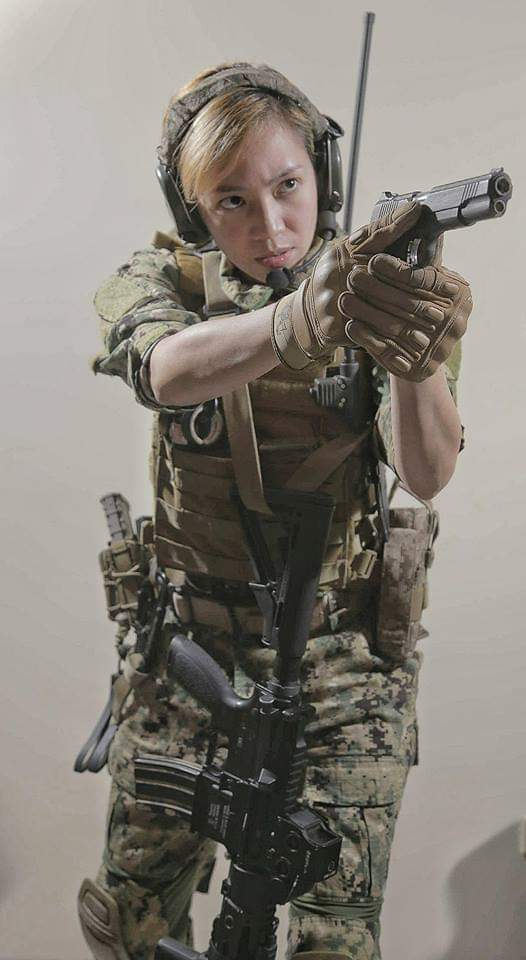 Airsoft loadout (Team RedWing) because Aya Ezmaria also shoots in real life.