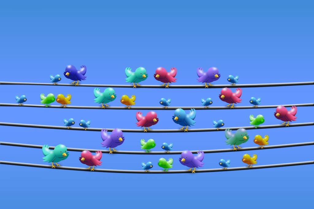 """Interested in what Filipino consumers think? Check out their tweets, as 83% of Filipinos on Twitter describe themselves as """"opinion leaders"""". Image credit: Gerd Altmann on Pixabay"""